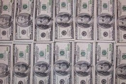 hundred-dollar-bills-260x173.jpg