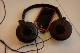 music-headphones-260x173.jpg